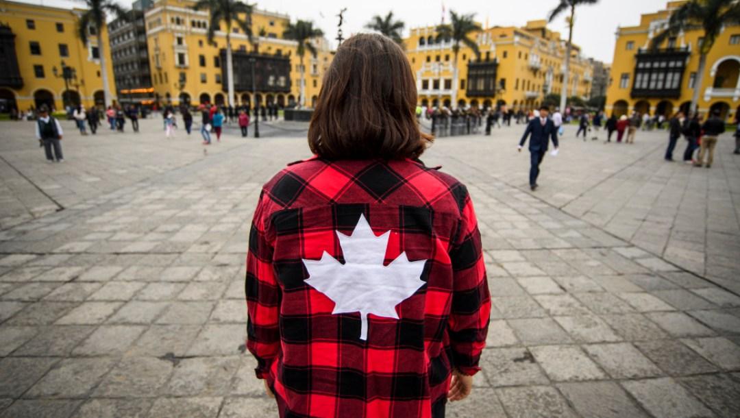 Team Canada Plaid Shirt in Plaza Mayor (Lime Peru)