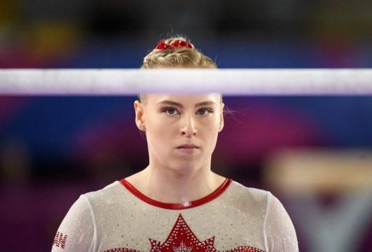Ellie Black aux barres asymétriques à Lima 2019