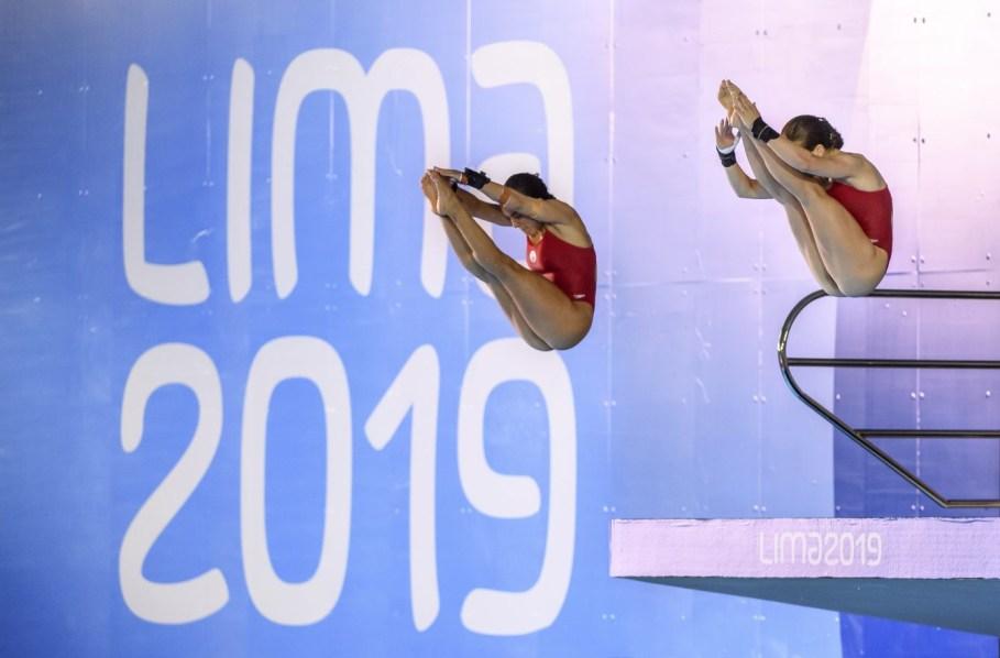 Meaghan Benfeito et Caeli McKay participent au 10 m synchro aux Jeux panaméricains de Lima, au Pérou, le 4 août 2019. Photo : Christopher Morris/COC