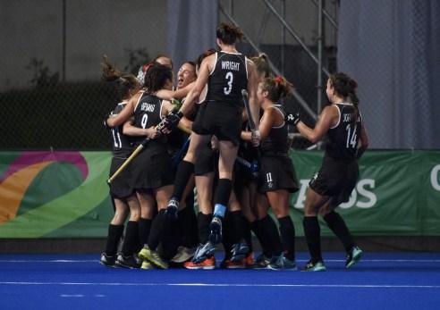 Équipe Canada célèbre après avoir vaincu les États-Unis en demi-finale aux Jeux panaméricains de Lima, au Pérou, le 6 août 2019. Photo : Christopher Morris/COC
