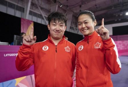 Eugene Wang et Mo Zhang ont remporté l'or au double mixte en tennis de table aux Jeux panaméricains de Lima, au Pérou, le 5 août 2019. Photo : Dave Holland/COC