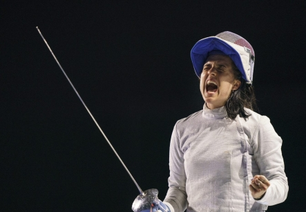 Gabriella Page célèbre après avoir vaincu Chloe Fox-Gitomer, des États-Unis, au sabre individuel lors de rondes préliminaires aux Jeux panaméricains de Lima, au Pérou, le 6 août 2019. Photo : Dave Holland/COC