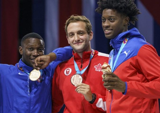 Shaul Gordon prend le bronze au sabre en escrime aux Jeux panaméricains de Lima, au Pérou, le 7 août 2019. Photo : Dave Holland/COC