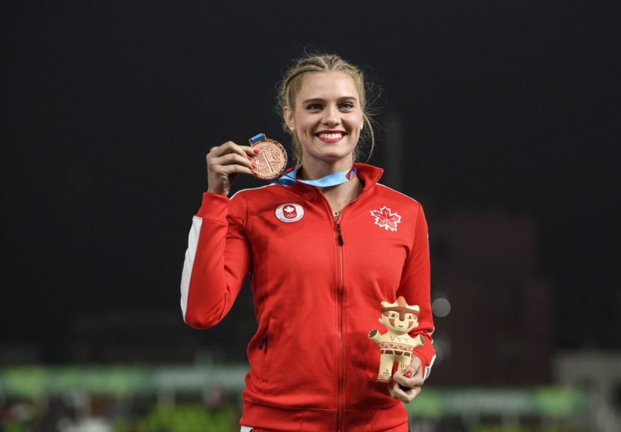 Alysha Newman remporte le bronze au saut à la perche aux Jeux panaméricains de Lima, au Pérou, le 8 août 2019. Photo : Vincent Ethier/COC