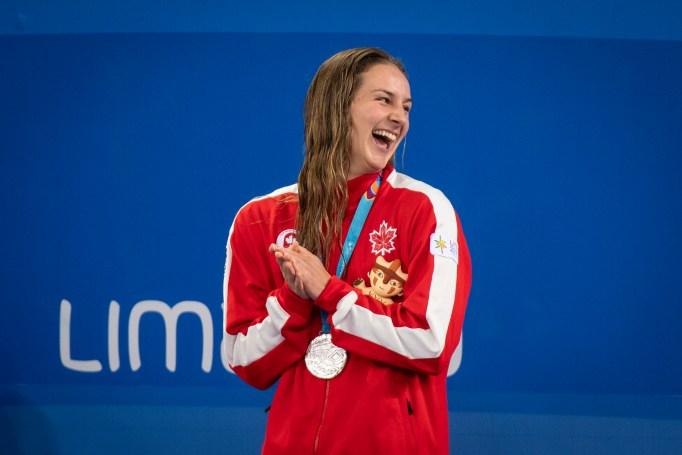 Danielle Hanus, du Canada, gagne la médaille d'argent au 100 m dos à Lima 2019