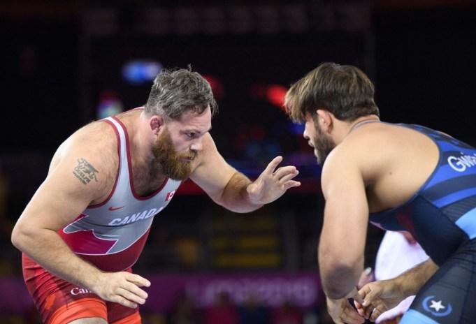 Korey Jarvis affronte l'Américain Nicholas Gwiazdowski en lutte libre chez les 125 kg aux Jeux panaméricains de Lima, au Pérou, le 10 août 2019. Photo : Christopher Morris/COC