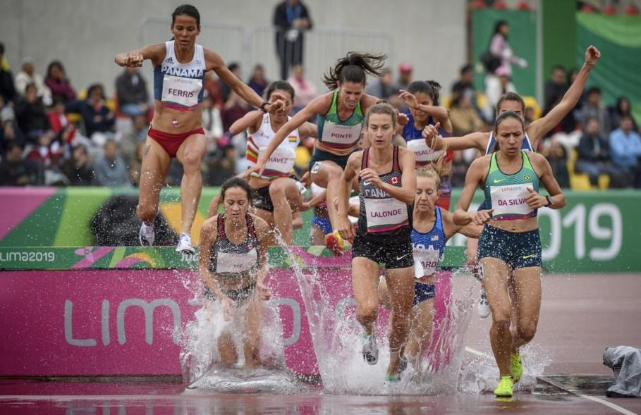 Geneviève Lalonde participe à la finale du 3000 m steeple aux Jeux panaméricains de Lima, au Pérou, le 10 août 2019. Photo : Christopher Morris/COC