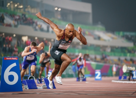 Damian Warner prends le départ du 400 m aux Jeux panaméricains de Lima 2019