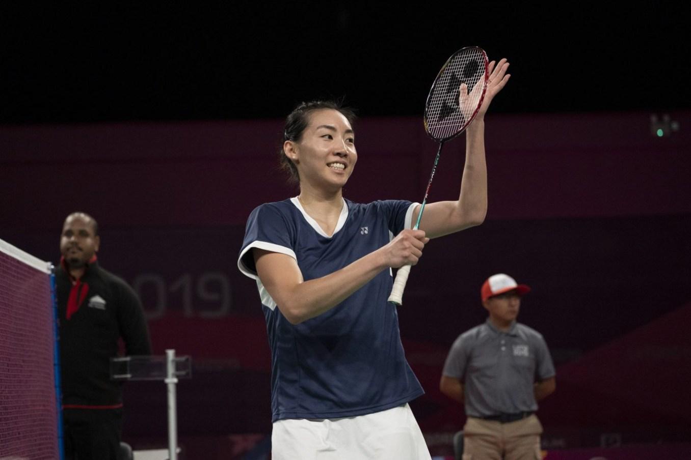 Michelle Li l'emporte sur Rachel Honderich lors de la finale du tournoi de badminton féminin aux Jeux panaméricains de Lima, au Pérou, le 2 août 2019. Photo : Dave Holland/COC