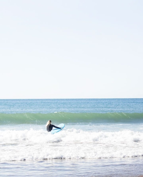 Une surfeuse en action à Lawrencetown. Photo : Kaylee Giffin