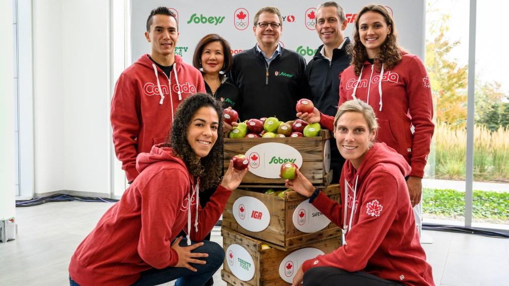 Empire Company et sa famille de marchands – Sobeys, IGA, Safeway, Farm Boy, Foodland, FreshCo, Thrifty Foods et Rachelle Béry – signent un partenariat historique pour devenir le tout premier détaillant alimentaire officiel d'Équipe Canada