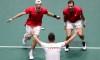 Shapovalov et Pospisil envoient le Canada en demi-finale de la Coupe Davis