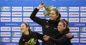 Maltais, Weidemann et Blondin rigolent sur le podium.