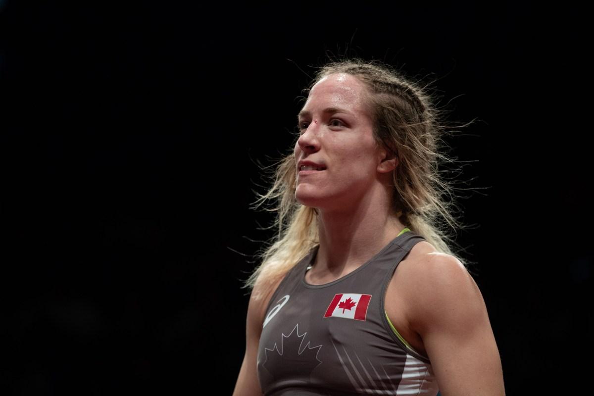 Danielle Lappage sourit après sa victoire au match pour le bronze dans un tournoi de lutte en Italie