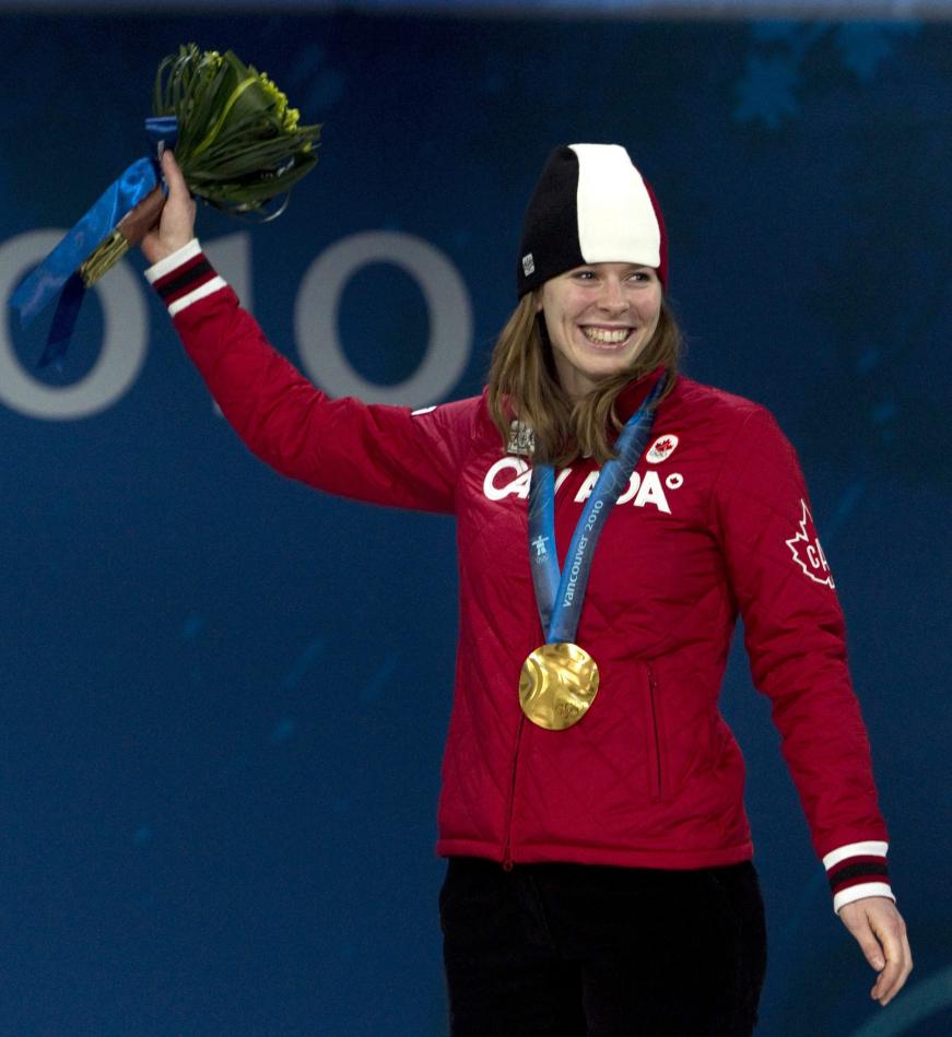 Christine Nesbitt sur le podium, médaille au cou
