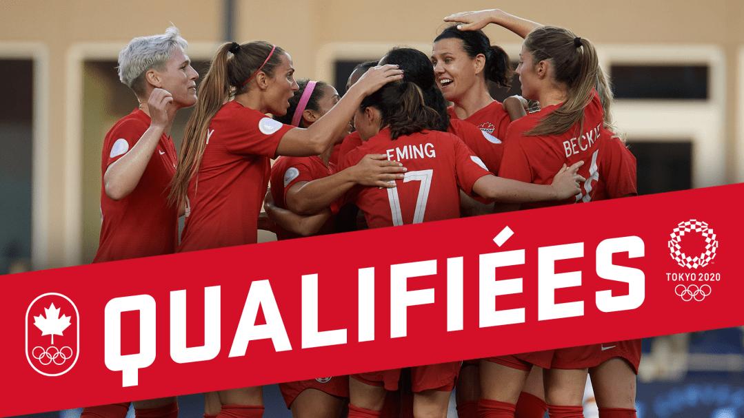 L'équipe canadienne de soccer féminin se fait un câlin collectif