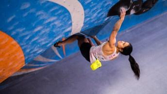 Alannah Yip monte jusqu'à la victoire aux Championnats panaméricains de l'IFSC 2020 à Los Angeles.