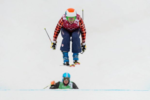 Simmerling lors d'une course de ski cross.