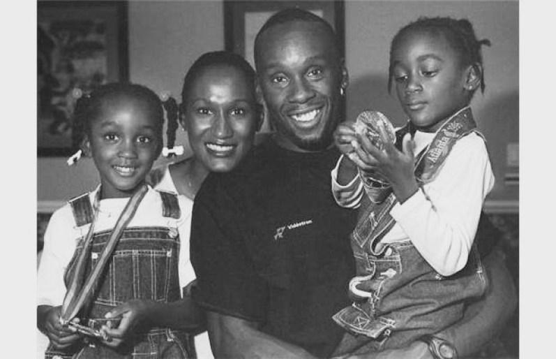 Une photo de la famille Surin prise alors que les enfants étaient encore jeunes