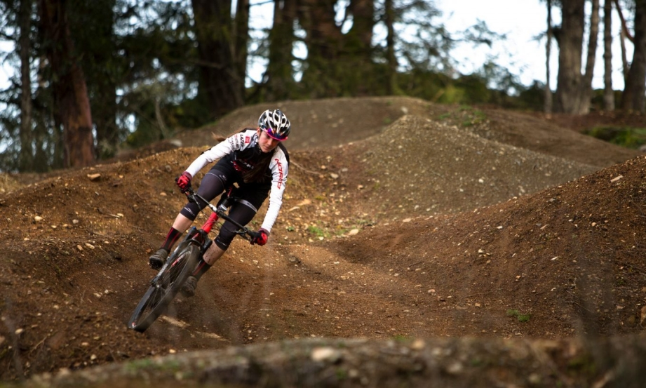Haley Smith s'entraîne à Bear Mountain à Victoria, en Colombie-Britannique.
