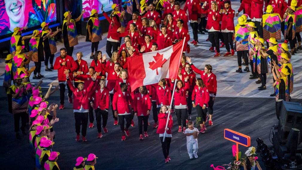 La famille Dellelce passe le flambeau aux espoirs olympiques avec un don de 2 millions $