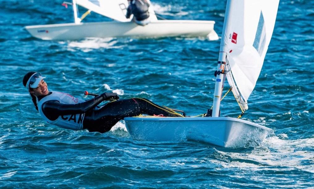 Une navigatrice lors d'une compétition de laser radial
