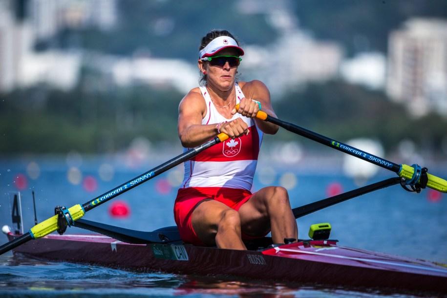 Carling Zeeman pendant une course en skiff aux Jeux olympiques de Rio.