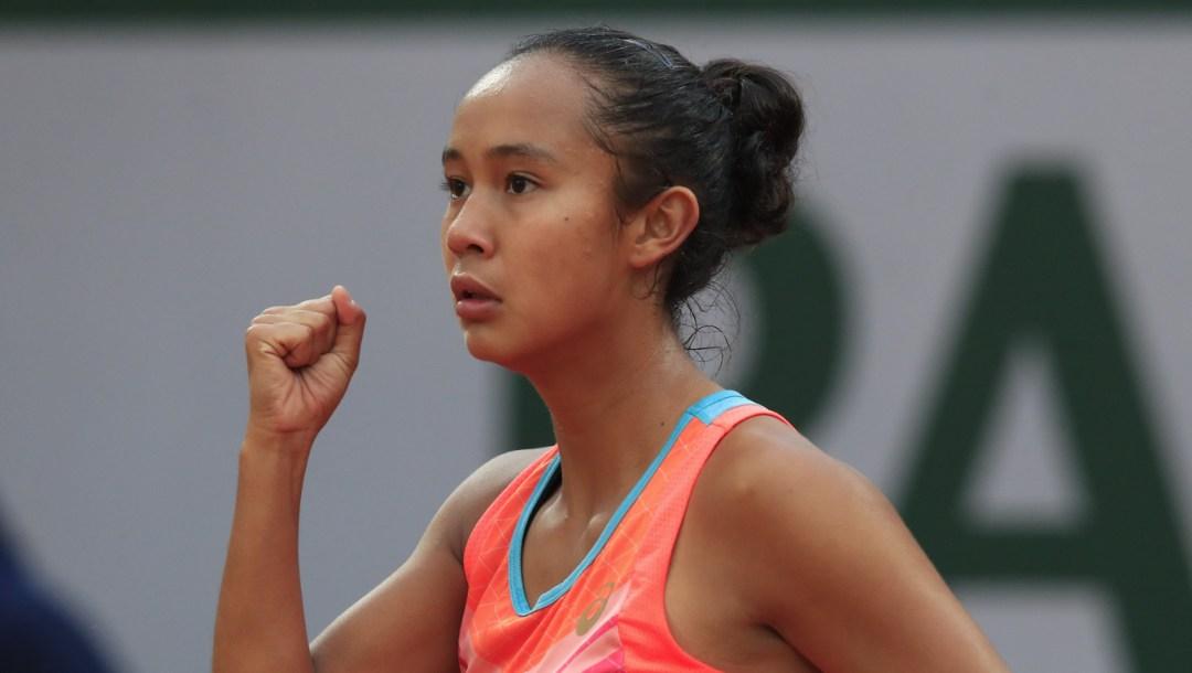 Leylah Annie Fernandez célèbre sa victoire au premier tour à Roland-Garros