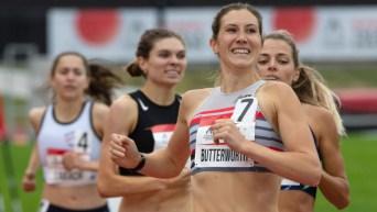 Lindsey Butterworth pendant le 800 m aux Essais olympiques Montréal 2021