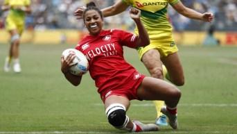 Une joueuse de rugby en action
