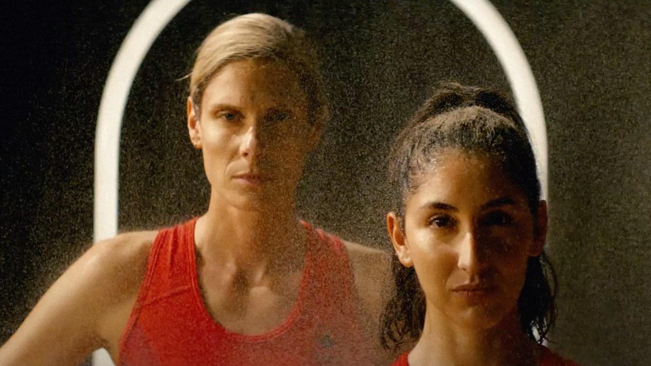Sarah Pavan & Melissa Humana-Paredes - La gloire vient de partout