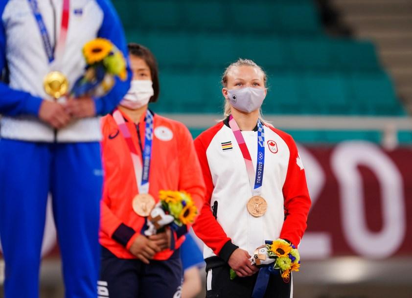 Jessica Klimkait avec sa médaille de bronze