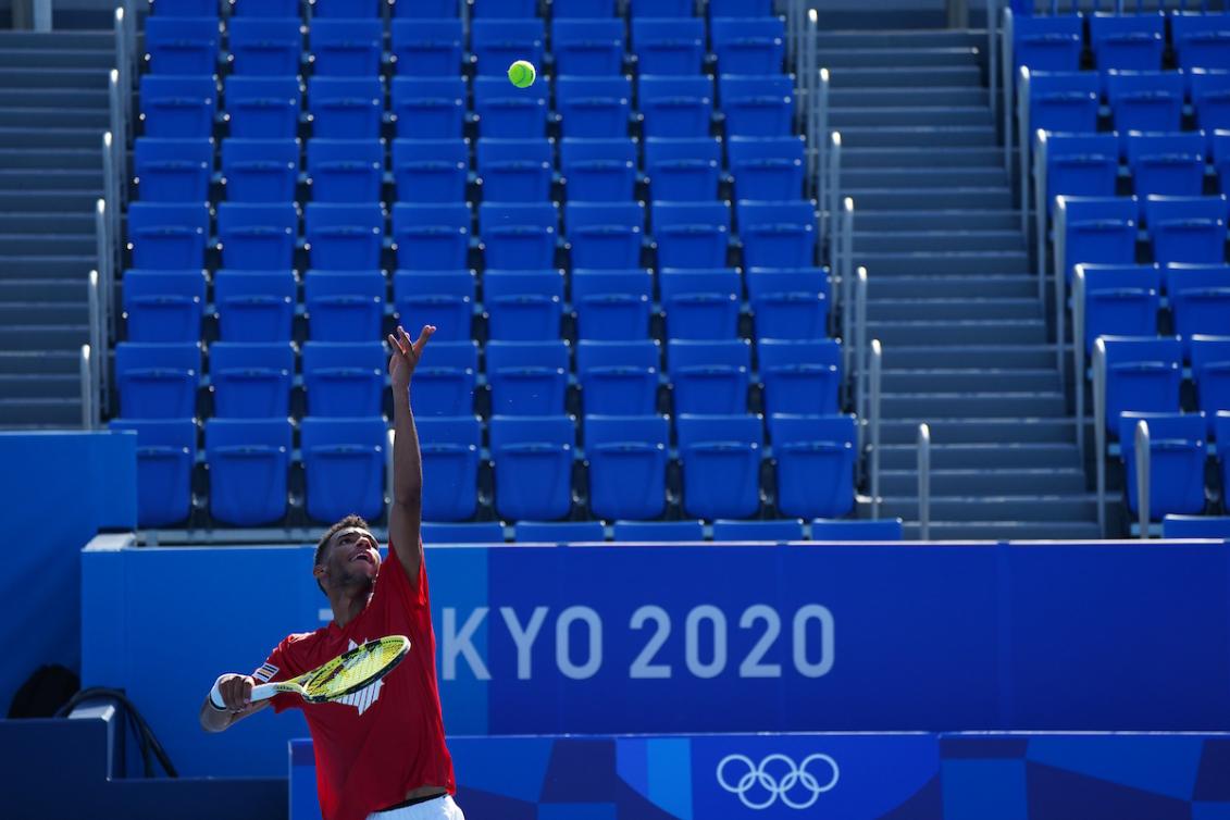 TOKYO, Japon - Le Canadien Félix Auger-Aliassime s'entraîne au parc de tennis Ariake à Tokyo, au Japon, avant les Jeux olympiques de Tokyo 2020 le 20 juillet 2021. Photo de Stephen Hosier/COC