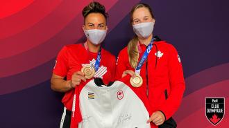 Gagnez la veste de podium d'Équipe Canada des Jeux  Tokyo 2020 signée par Jennifer Salling and Larissa Franklin