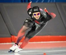 Le patineur Laurent Dubreuil en pleine course.